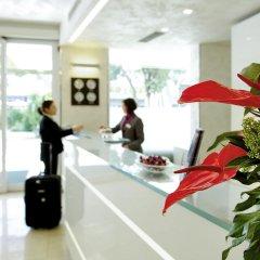 Отель Mercure Rimini Artis ресепшен