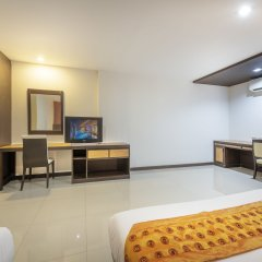 Отель Rattana Residence Sakdidet 3* Люкс с различными типами кроватей