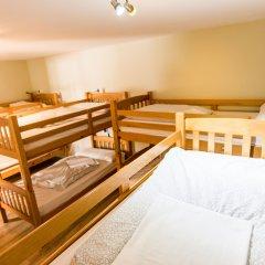 Mad4you Hostel Кровать в общем номере с двухъярусной кроватью