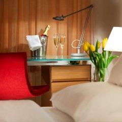 Отель Andel's by Vienna House Prague 4* Улучшенный номер с различными типами кроватей фото 7
