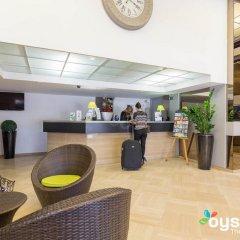 Hotel Kyriad Nice Gare вестибюль