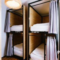 Bedgasm Hostel Кровать в общем номере с двухъярусной кроватью