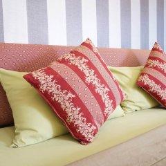 Отель Phuket Airport Suites & Lounge Bar - Club 96 Улучшенный номер с различными типами кроватей