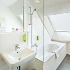 Austria Trend Hotel beim Theresianum ванная фото 2