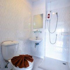 Отель Two Color Patong ванная фото 2