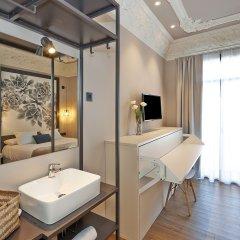 Отель Hostal Central Barcelona Стандартный номер с различными типами кроватей