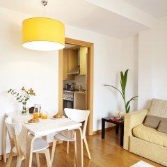 Апартаменты AinB Eixample-Entenza Apartments Апартаменты с различными типами кроватей