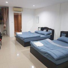 Отель Royal Inn Kitchen and Bar 3* Стандартный семейный номер с двуспальной кроватью