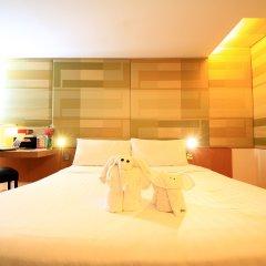 Отель Le Fenix Sukhumvit 3* Стандартный семейный номер с 2 отдельными кроватями