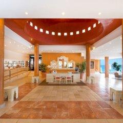 Отель Iberostar Playa Gaviotas - All Inclusive вестибюль