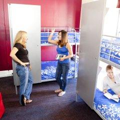 Отель USA Hostels San Francisco Кровать в женском общем номере с двухъярусной кроватью