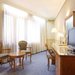 Hotel Downtown 4* Стандартный номер двуспальная кровать
