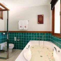 Отель Angsana Villas Resort Phuket ванная фото 5