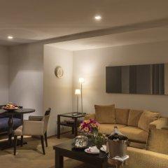 Отель lebua at State Tower 5* Улучшенный семейный люкс с двуспальной кроватью