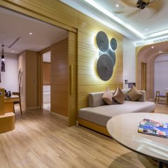 Отель Crest Resort & Pool Villas 5* Семейная вилла с выходом к бассейну разные типы кроватей