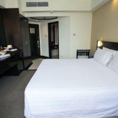 Отель Furama City Centre 4* Представительский номер с различными типами кроватей