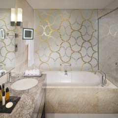 Jumeirah at Etihad Towers Hotel 5* Улучшенный номер с различными типами кроватей фото 4