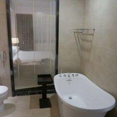 Отель Atlantic Lumley Hotel Сьерра-Леоне, Фритаун - отзывы, цены и фото номеров - забронировать отель Atlantic Lumley Hotel онлайн ванная