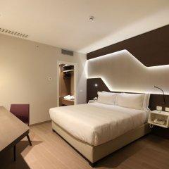 DoubleTree by Hilton Hotel Yerevan City Centre комната для гостей фото 9