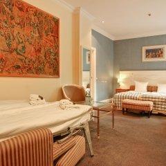 Отель Copenhagen Plaza 4* Стандартный семейный номер с двуспальной кроватью