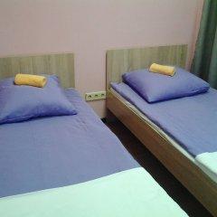 Хостел 7 Sky на Красносельской Стандартный номер с двуспальной кроватью (общая ванная комната)