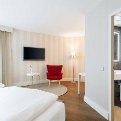 Отель NH Collection Frankfurt City 4* Номер категории Премиум с двуспальной кроватью