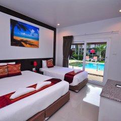 Phuket Airport Hotel комната для гостей