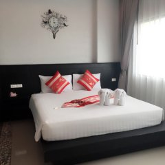 Отель PJ Patong Resortel комната для гостей фото 8