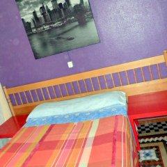 Отель Pensión Universal 2* Стандартный номер с двуспальной кроватью (общая ванная комната)