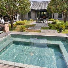 Отель Banyan Tree Lijiang 5* Вилла разные типы кроватей фото 19