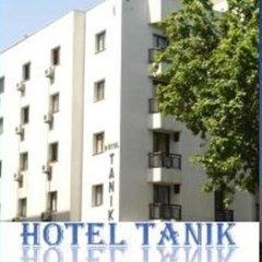 Tanik Hotel Турция, Измир - отзывы, цены и фото номеров - забронировать отель Tanik Hotel онлайн бассейн фото 2