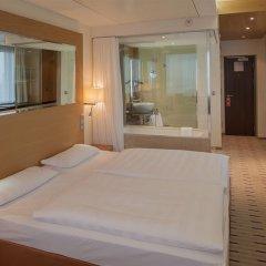 Отель Park Inn by Radisson Berlin Alexanderplatz 4* Улучшенный номер разные типы кроватей фото 2