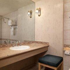 Отель Riviera Hotel & Casino США, Лас-Вегас - 8 отзывов об отеле, цены и фото номеров - забронировать отель Riviera Hotel & Casino онлайн ванная фото 2