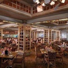 Отель Riviera Hotel & Casino США, Лас-Вегас - 8 отзывов об отеле, цены и фото номеров - забронировать отель Riviera Hotel & Casino онлайн питание фото 2