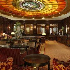Hotel Vier Jahreszeiten Kempinski München лобби лаундж