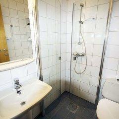 Отель Hotell Neptun Haugesund Норвегия, Гаугесунн - отзывы, цены и фото номеров - забронировать отель Hotell Neptun Haugesund онлайн ванная
