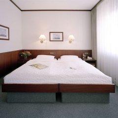 Отель Sorat Ambassador Berlin комната для гостей