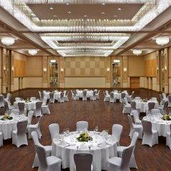 Отель Hilton Düsseldorf банкетный зал