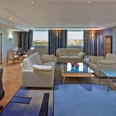Отель Hilton Düsseldorf лобби