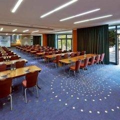 Отель Hilton Düsseldorf конференц-зал