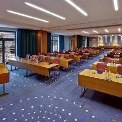 Отель Hilton Düsseldorf конференц-зал фото 2
