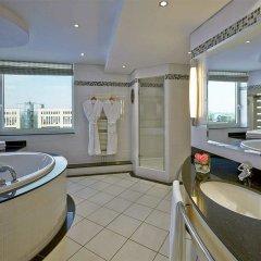 Отель Hilton Düsseldorf ванная фото 3