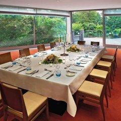 Отель Hilton Düsseldorf семейный ужин