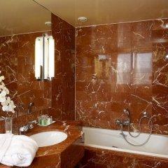 Отель Hôtel California Champs Elysées ванная
