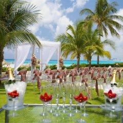 Отель Reflect Krystal Grand Cancun открытая свадебная площадка