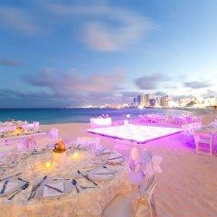 Отель Reflect Krystal Grand Cancun открытая банкетная зона фото 2