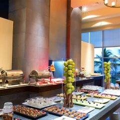Отель Reflect Krystal Grand Cancun буфет