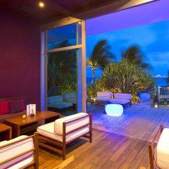 Отель Reflect Krystal Grand Cancun вестибюль отеля