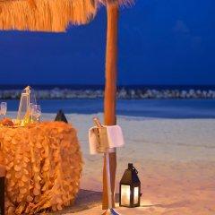 Отель Reflect Krystal Grand Cancun столовая на открытом воздухе фото 3