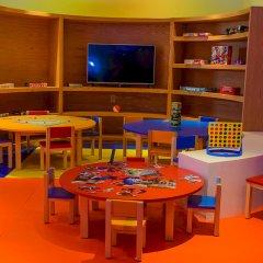 Отель Reflect Krystal Grand Cancun закрытая детская игровая площадка